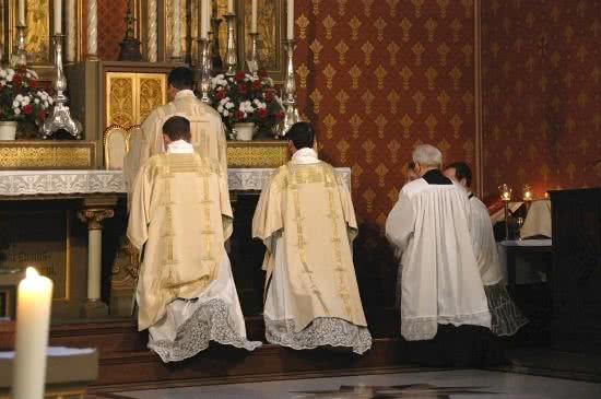 Alte Messe / Tridentinische Messe / klassisch-römischer Ritus